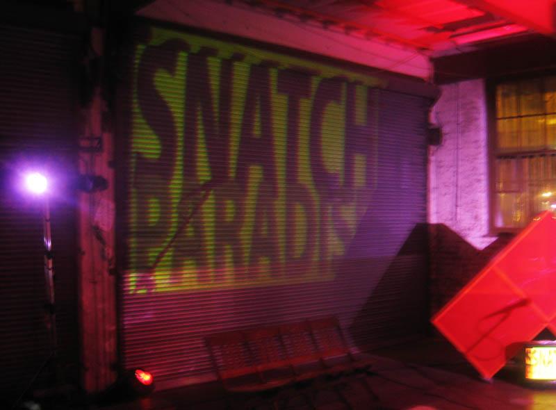http://www.tobyk.com.au/Snatch-Paradise/SnatchGarageDoor.jpg