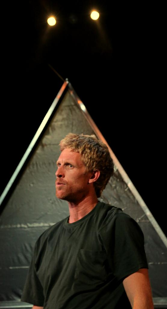 Simon Lyndon in Anaconda at Bondi Pavillion 2013. Lighting Design by Toby K